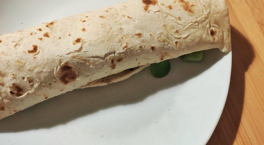 Piadina con ingredienti da frigo